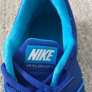 Nike Shoes - Nike Air Relentless 6 Sneakers